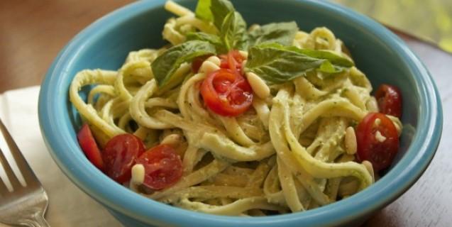 Avocado Pesto Pasta meatless meals on a budget